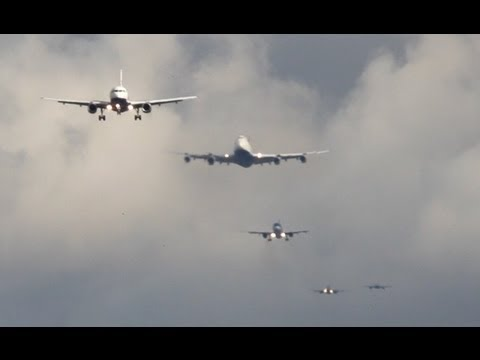 Approach - This is my first video from London Heathrow. This video shows how short the distances between approaching planes at LHR are. Thanks for watching and I hope y...
