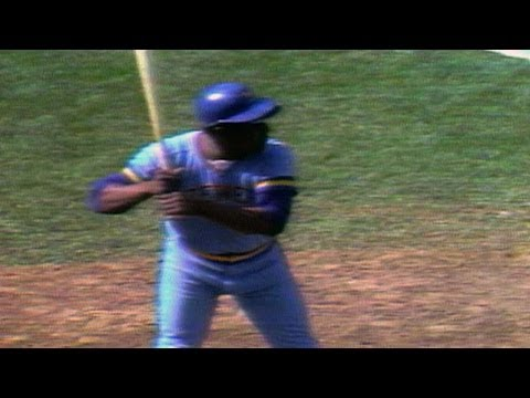 Video: MIL@BOS: Hank Aaron homers at Fenway Park