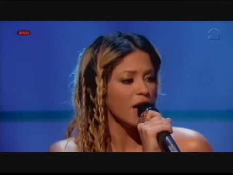 Shakira - Underneath Your Clothes (Live at Top Of The Pops Holland)