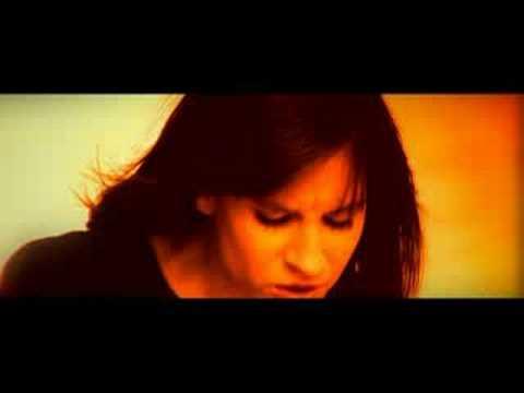 Tekst piosenki Liber ft Sylwia Grzeszczak - Co z nami będzie po polsku