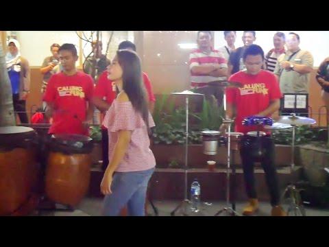 Video ANOMAN OBONG KOPLO - Skill Musiknya Makin Jago Bikin Goyang (Pengamen Angklung Jogja) Calung Funk download in MP3, 3GP, MP4, WEBM, AVI, FLV January 2017