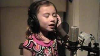 "O Holy Night - Incredible child singer 7 yrs old - plz ""Share"""