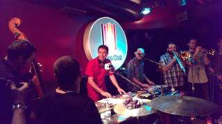 The Apples play tempo club