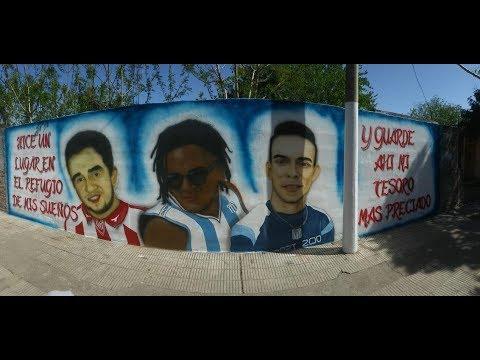 Frases de amigos - Vecinos recordaron a amigos fallecidos con un mural en B° San Nicolás