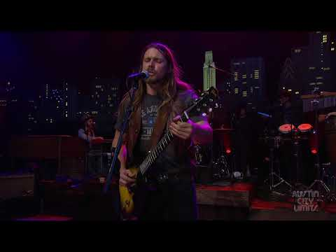 "Lukas Nelson & Promise Of The Real ""Find Yourself"" 