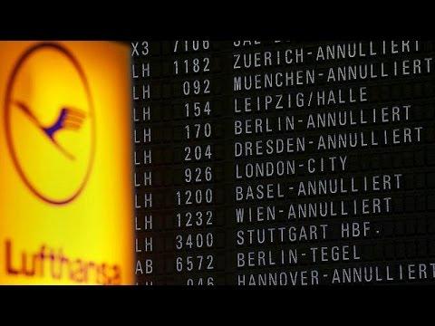 Απειλή για οκταήμερη απεργία από τους αεροσυνοδούς της Lufthansa