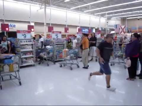 "Italian In The Wal-Mart ""We No Speak Americano"" Parody Video"
