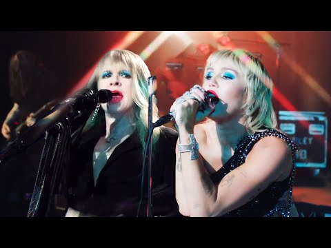 Miley Cyrus, Stevie Nicks - Edge of Midnight (Live Version)