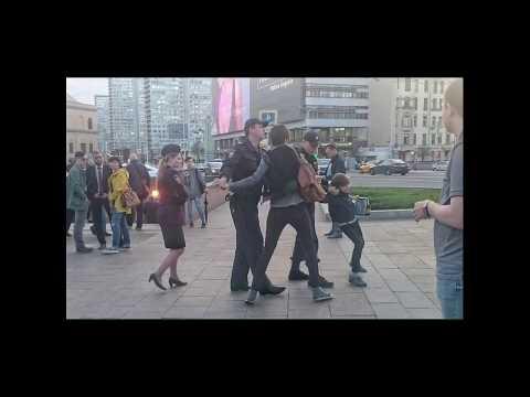 Могли ли ментам заплатить за антипутинскую провокацию с ребенком?