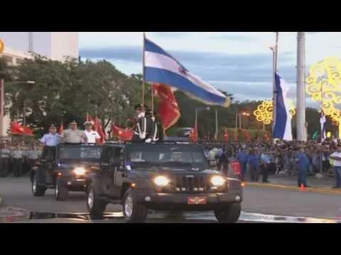 """Desfile Militar """"Pueblo-Ejército"""" 2015"""