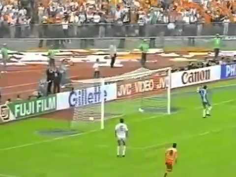 van basten segna nella finale degli europei 1988