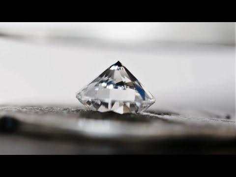 Đặt viên kim cương 25 cara vào chiếc máy ép thủy lực, DÂN CHƠI ĐÂY RỒI :D