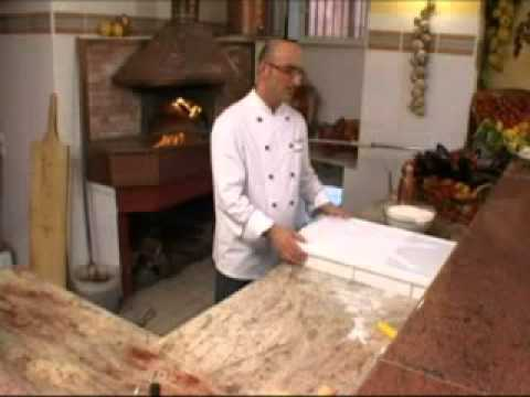 La pizza napoletana di Antonino Esposito 2/4