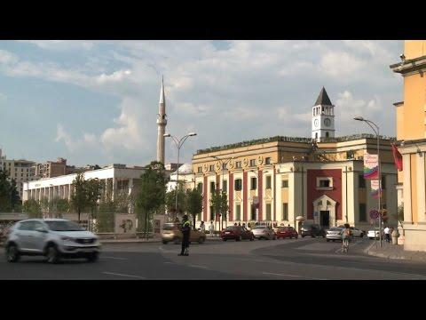 Video - Οι Αλβανοί στις κάλπες: Σε εξέλιξη οι βουλευτικές εκλογές