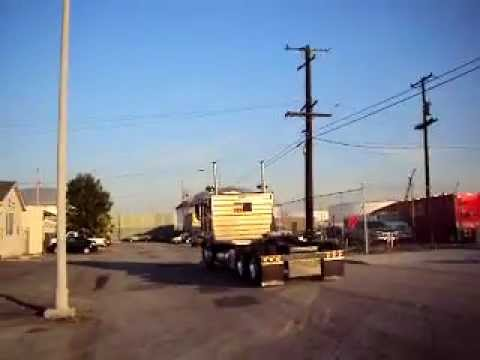 8v92 - My friend Kevin's 1984 Freightliner with a 8v92ta straight pipe sound. View and comment.