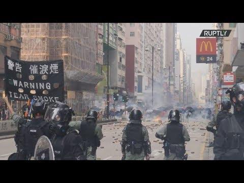 Χονγκ Κονγκ: Συλλήψεις διαδηλωτών έξω από το Πολυτεχνείο
