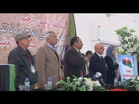 libya split - http://www.euronews.com/ Civic leaders in the eastern city of Benghazi have announced plans for greater autonomy from Libya's Transitional Council based in T...