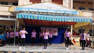 Download Lagu Lạc trôi - lớp 9a6 THCS Tân Long Mp3