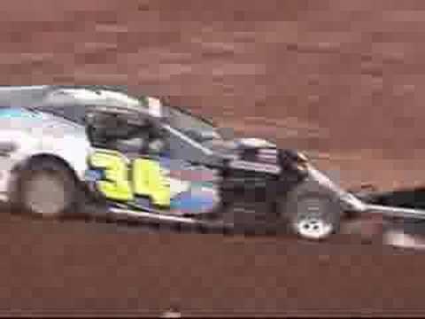 Dirt Modified racing