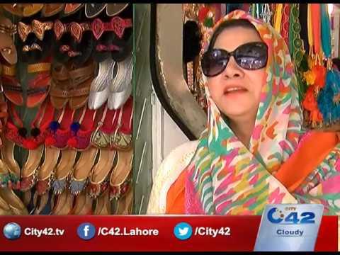 مردوں کی پشاوری کھیڑی اب خواتین کے پاؤں کی زینت بنے گی