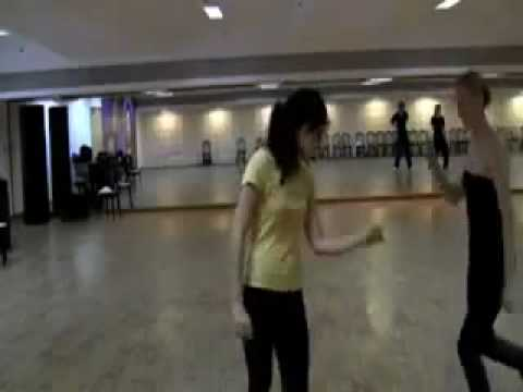 Kites Behind The Scenes - Kangana and Hrithik practising