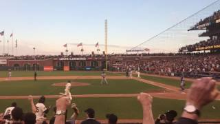 Download Lagu Buster Posey walk-off ends amazing Giants/Dodgers game as Steve Kerr looks on - 6/11/16 Mp3