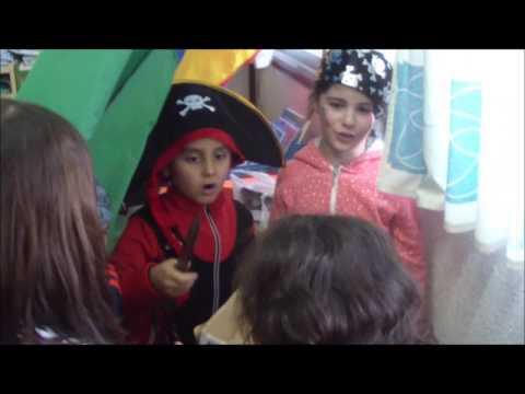 Ayudando a los hambrientos piratas