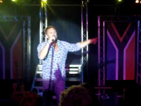Steve Hofmeyer sing Andriette Norman se Napoleon 1.MPG