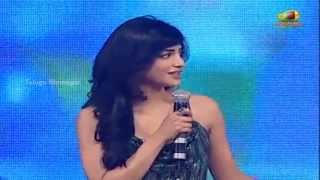 Shruti Haasan Speaking Cute Telugu - Yevadu Movie Audio Launch - Ram Charan, Allu Arjun, DSP