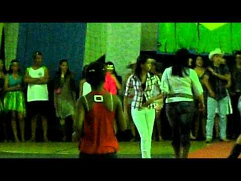 Desfile em Paranapoema - Réu dançando Country