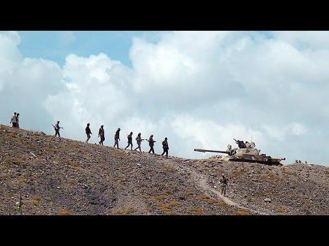 Aides deny Yemen's President Hadi has fled Houthi advance