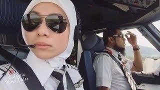 Video Inilah rupa pilot AirAsia yang berpantun tu tp cantik pulak pilot perempuan ni MP3, 3GP, MP4, WEBM, AVI, FLV Januari 2019