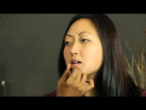 Makeup Ideas for a Plum-Colored Dress : Makeup Basics