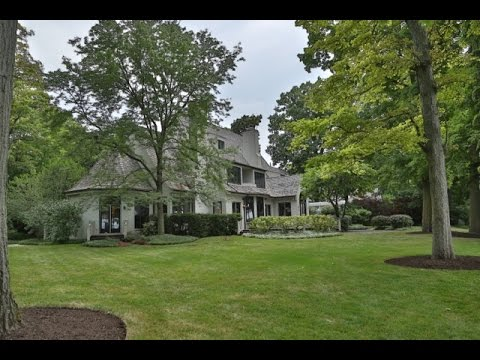 Video in Real Estate: 733 Ravine Ave Lake Bluff IL Linda Levin, Jameson Sotheby's