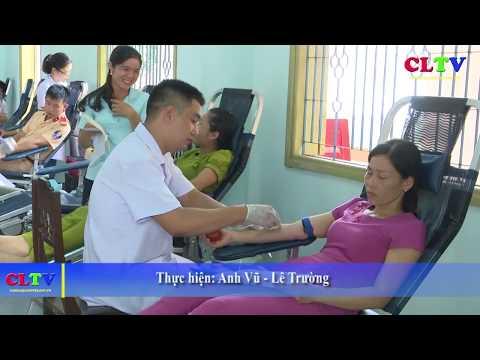 Gần 300 người tham gia hiến máu nhân đạo