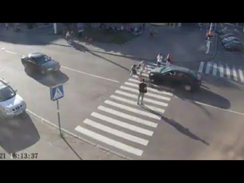 Відеодобірка ДТП на вулицях Житомира за участю пішоходів, велосипедистів і мопедистів - Житомир.info