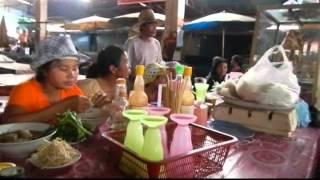 Mus ua si teb chaws Nplog Laos Boun song kan (Boun Pi Mai Lao)