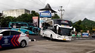 Video Konvoi 7 bus Agma Tungga Jaya dikawal polisi + Telolet lagu + Stroboo. MP3, 3GP, MP4, WEBM, AVI, FLV Oktober 2018