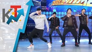 Video Vhong Navarro humataw ng 'LOVE SHOT' kasama ang BoybandPH!!!!!! 🕺🕺 MP3, 3GP, MP4, WEBM, AVI, FLV Maret 2019
