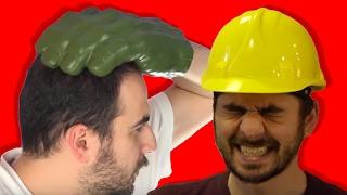 Bu videoda 3 ilginç test var. Ellerimiz Hulk eli gibi olsaydı nasıl olurdu? İnşaat bareti gerçekten kafayı koruyor mu? Korse giymek fazlalıkları saklayabiliyor mu? Mediakraft'ın diğer kanallarını takip etmek için lütfen tıklayın:Oha Diyorum: https://www.youtube.com/user/OhaaDiyorumYapyap: https://www.youtube.com/user/yapyapOyun Delisi: https://www.youtube.com/user/oyundelisiBonbonTV https://www.youtube.com/c/bonbontv