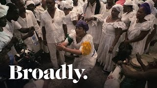 Enter the World of Vodou Healing in Haiti in 360˚! http://bit.ly/1UXe105 If you're on a mobile device, download the YouTube app to ...
