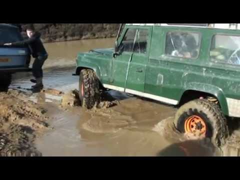 Land Rover 110 V8 in Deep Water!