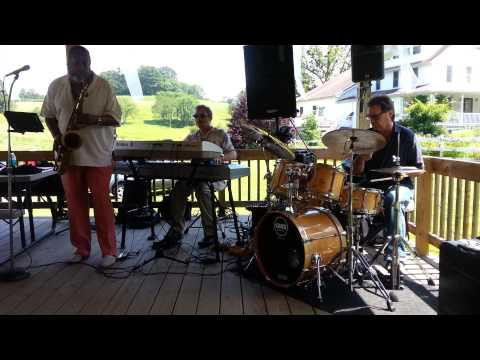 PERFORMING w/THE BOBBY REED TRIO