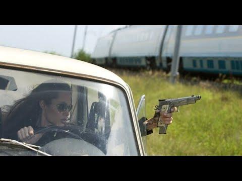Wanted (2008) | Train Fight Scene | Angelina Jolie | e-Talkies