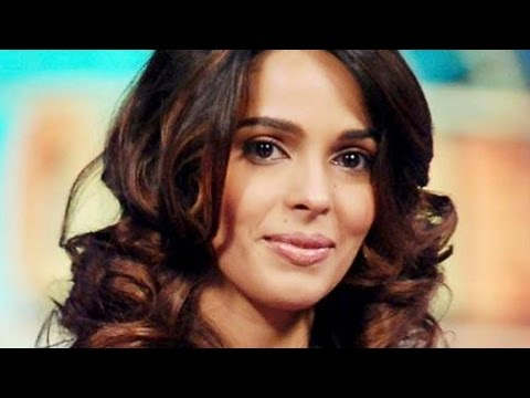 mallika - Mallika Sherawat has done most of the nude scenes herself in Jennifer Lynch's Hisss, despite co-producer Ratan Jain and her brother Vikram Lamba claiming tha...