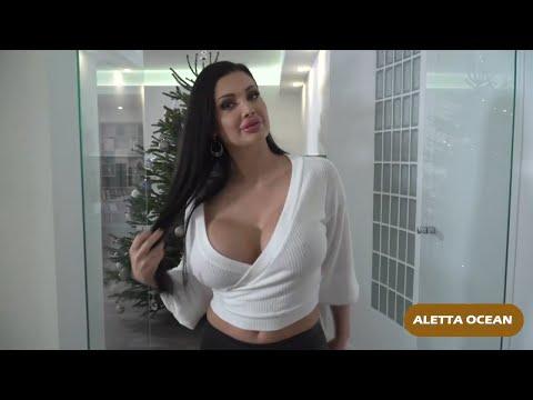 Aletta Ocean And Lisa Ann   SEXY NETWORK
