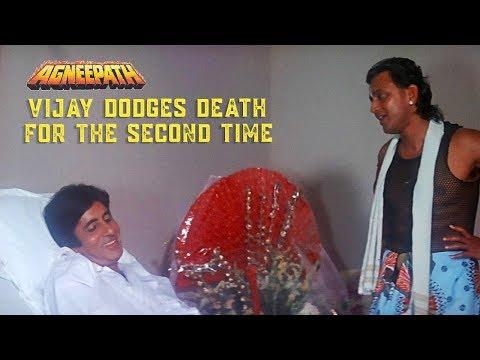 Vijay dodges death for the second time   Agneepath (1990)   Amitabh Bachchan, Mithun Chakraborty