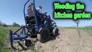 In this video, I weeding the kitchen garden with a minitractor.Hand tools for planting: https://www.youtube.com/watch?v=Sp5R28bklugPlanting potatoes using my minitractor: https://www.youtube.com/watch?v=YFXXAcN0xKEPuller made with own hands: https://www.youtube.com/watch?v=Dj25ZrmDmPEHomemade lathe for wood: https://www.youtube.com/watch?v=Ck_EL33PMg0Homemade wheel hand hoe. Garden wheel hoe: https://www.youtube.com/watch?v=H2rn-TsGvkkHilling potatoes using a garden tractor: https://www.youtube.com/watch?v=gIqg-h6QAgoHomemade garden tractor digging potatoes: https://www.youtube.com/watch?v=wDgu18zQaQwMy homemade garden tractor: https://www.youtube.com/watch?v=Mt5xFKd0vAcThe process of assembling my garden tractor: https://www.youtube.com/watch?v=3JkUFFnmglkLiberal DIY: https://www.youtube.com/channel/UCfy35XU-M9w-jXmNUsO--fA