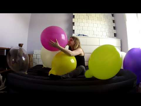 French Balloons - Balloonia is here ! playing balloon looner (видео)