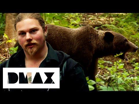 Noah Brown Defends His Family's Territory Against Bears   Alaskan Bush People